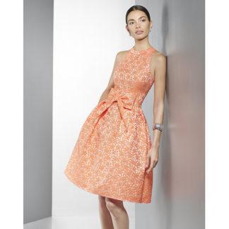 vestido corto de brocado coral