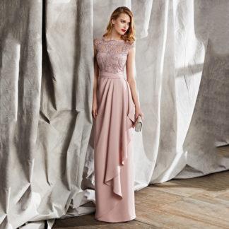 Vestido rosa palo con cuerpo en tul bordado