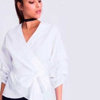 blusa tipo kimono blanca