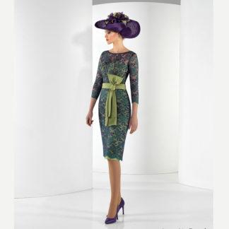 Vestido corto morado y verde de encaje y crepe