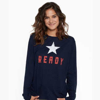 camiseta azul marino de manga larga con print ready y estrella de Dear Tee