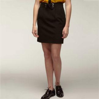 falda corta negra de Naf Naf