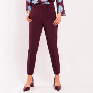 pantalón vestir de Alba Conde joven con bolsillos americanos