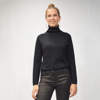 jersey negro de cuello alto en punto fino de mdm