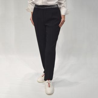 pantalón negro de crepe cintura elástico de diana gallesi