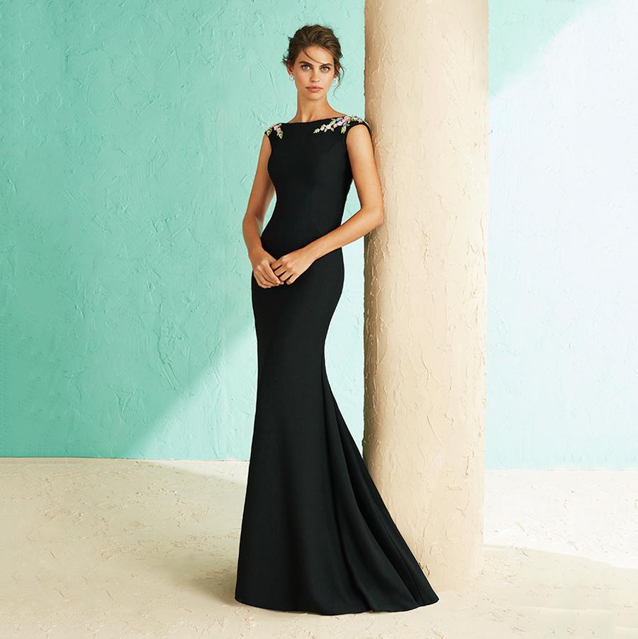 1f7397215c50 Vestido negro de fiesta corte sirena bordado multicolor - gusgusboutique
