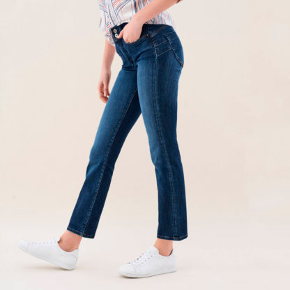Jeans push in pierna recta