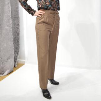 pantalón de pinzas camel con cordón de Grace and Mila moda mujer Paris