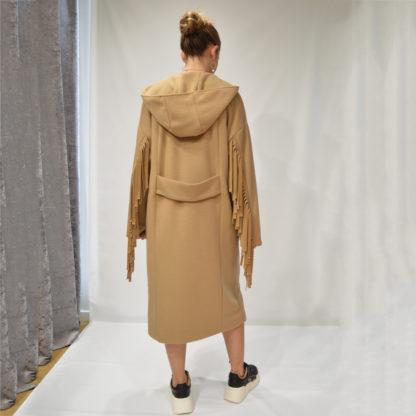 Abrigo cruzado con capucha y flecos please