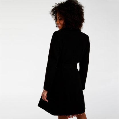 Abrigo de paño con cintura ajustada naf naf