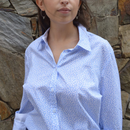 Camisa semientallada estampado corbatero Brax