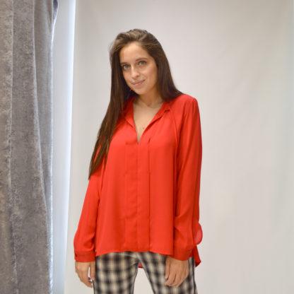 Blusa escote abierto sedosa Imperial Fashion