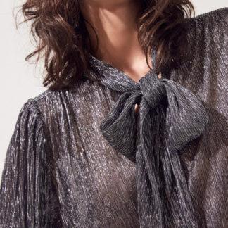 Blusa con lazo en lurex plateado
