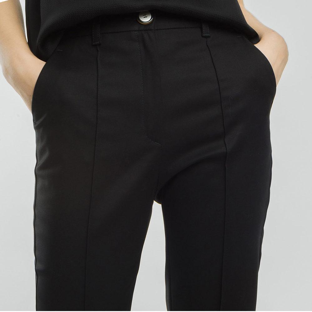 Pantalón cropped botones contraste Alba Conde