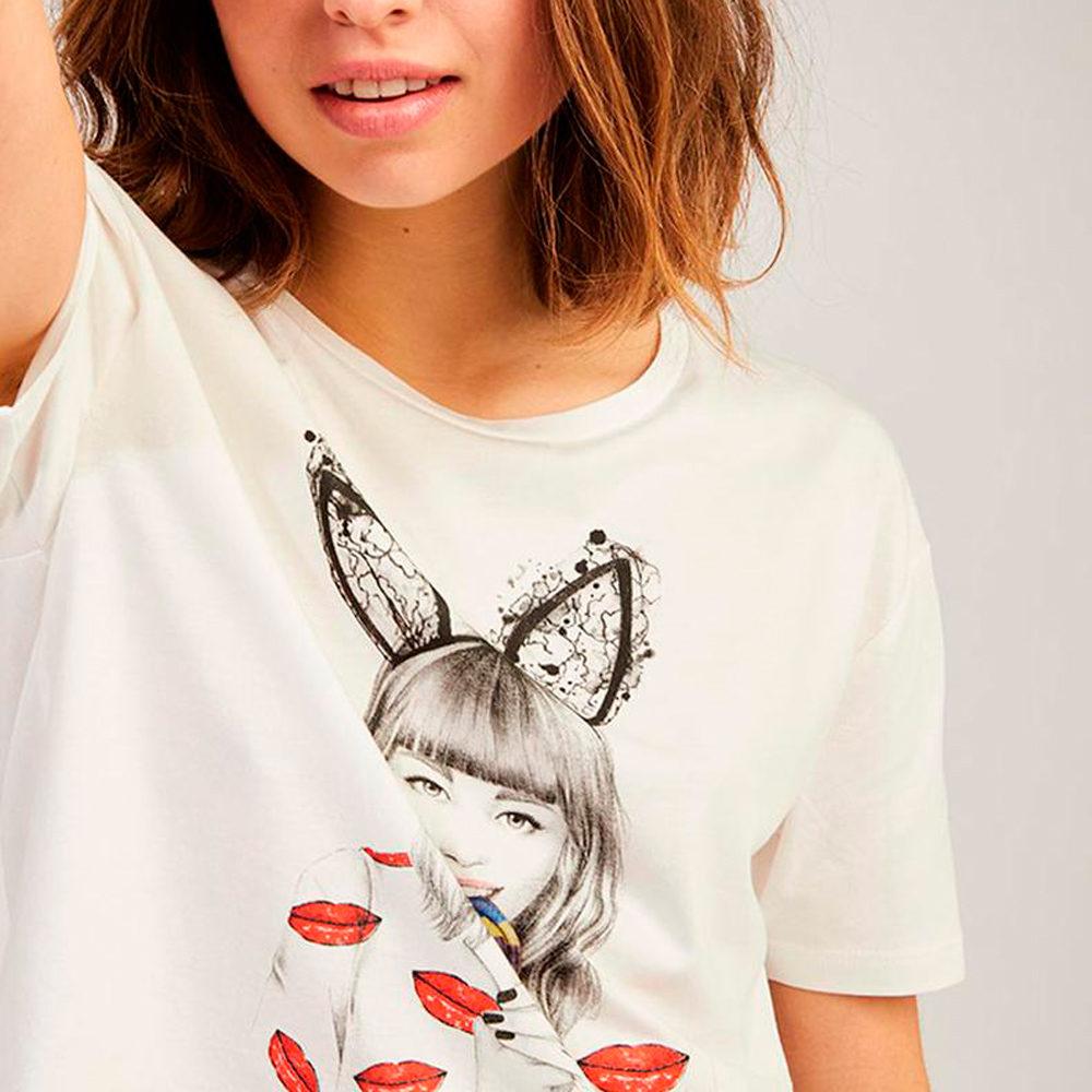 Camiseta corta con ilustración naf naf en gus gus boutique